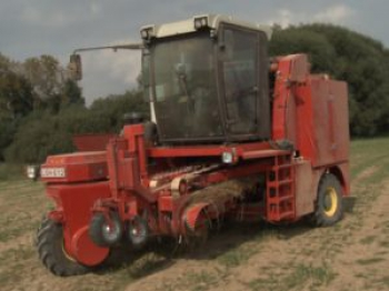 Self-driving flax machine